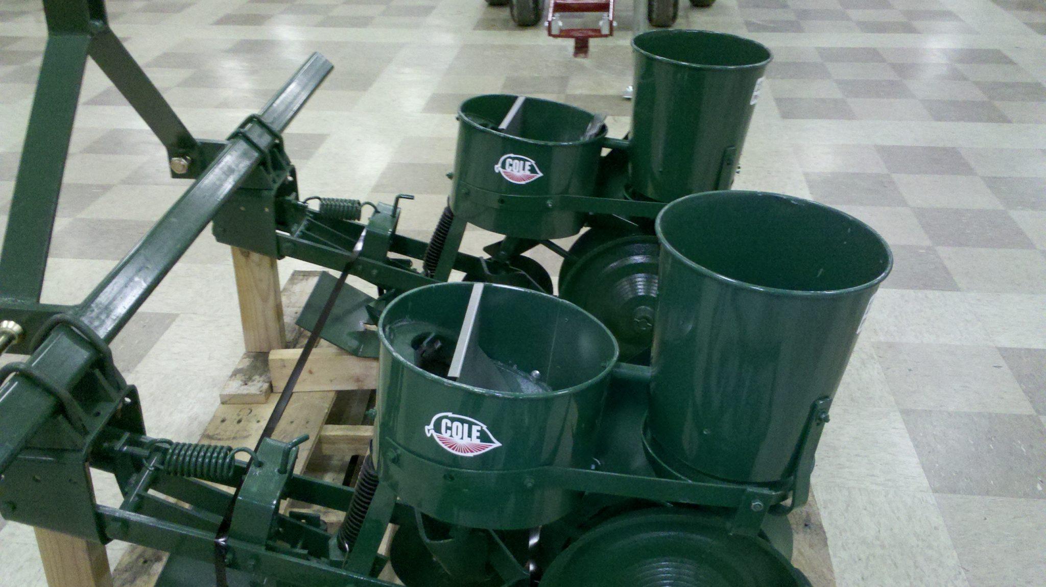 012 0130 Cole 2 Row 12mx Planter W Fertilizer Hopper 3 Pt Hitch