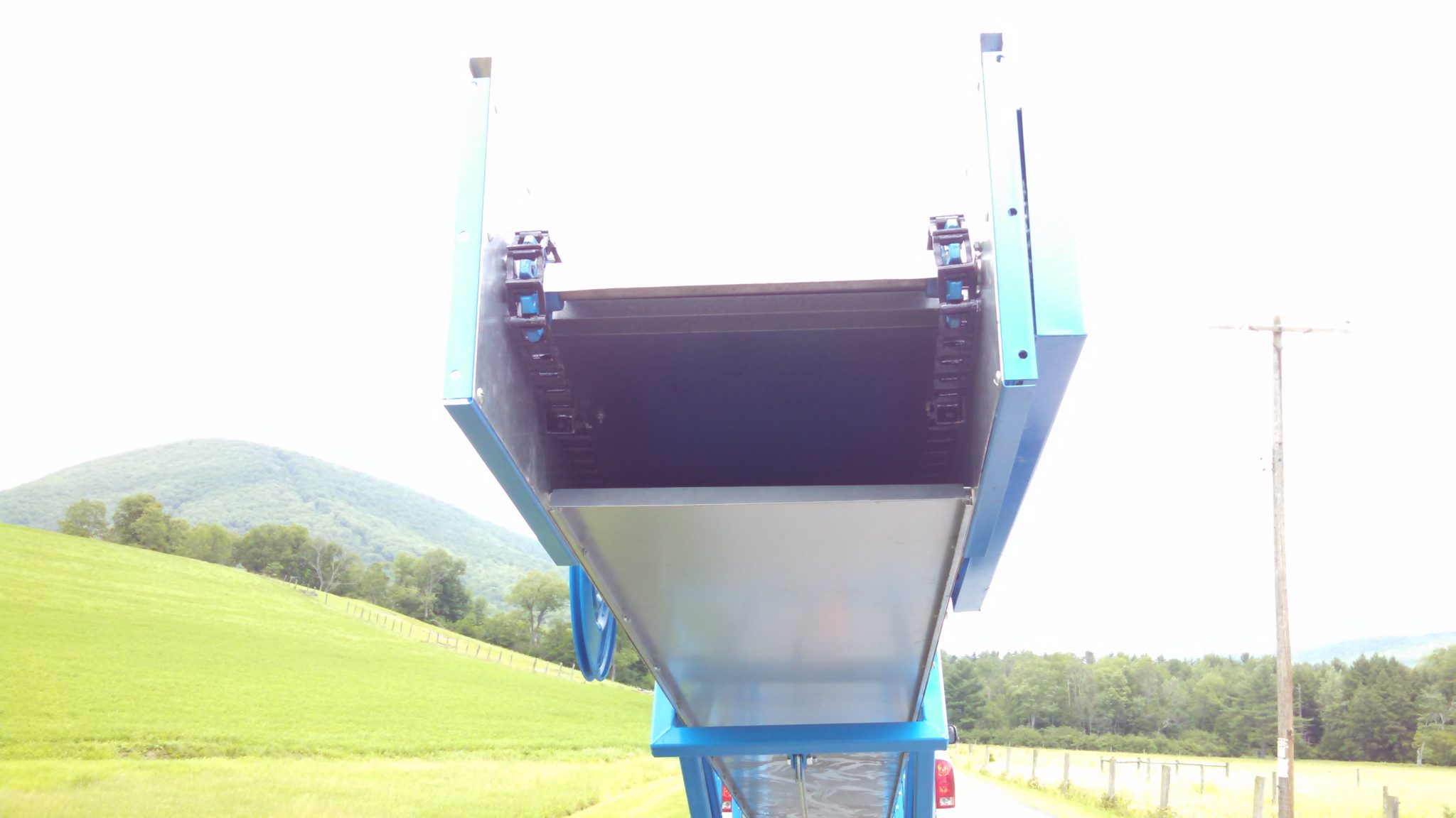 Portable Elevator for Ear Corn, & Hay Bales, Versatile & Economical   Portable Elevator for Ear Corn, & Hay Bales priced here is for a 32 Ft   Elevator